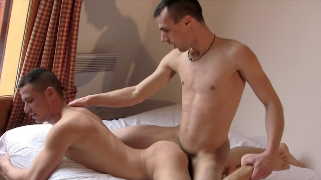 hotcast-4-gay-kenny-stuff-skorp-10