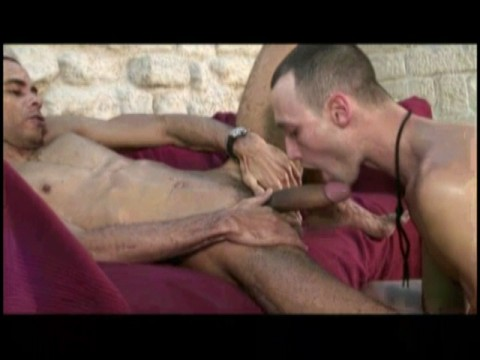 Cubano remplit la bouche d'un bomec avec ses 24 cm