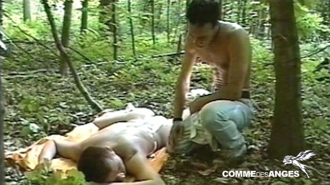 Sex-starved top serviced in the woods