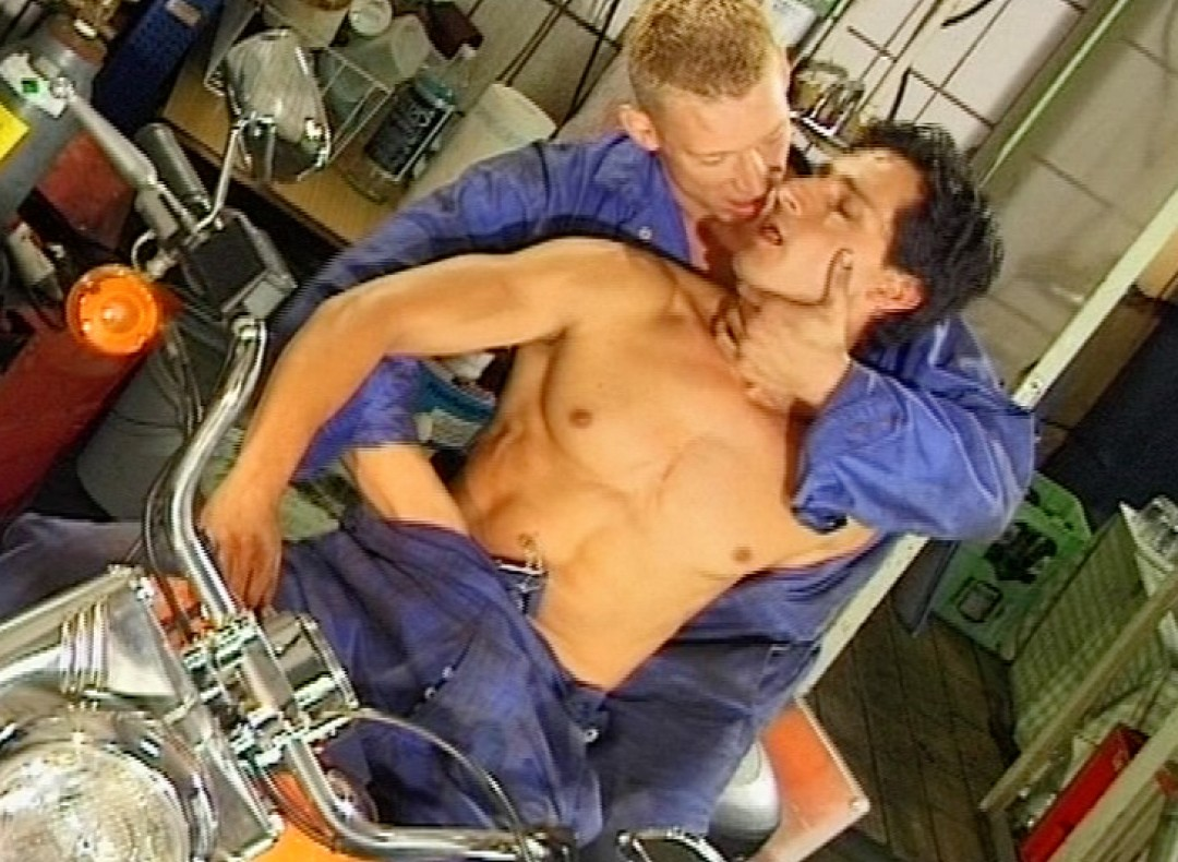 The mechanics's slut