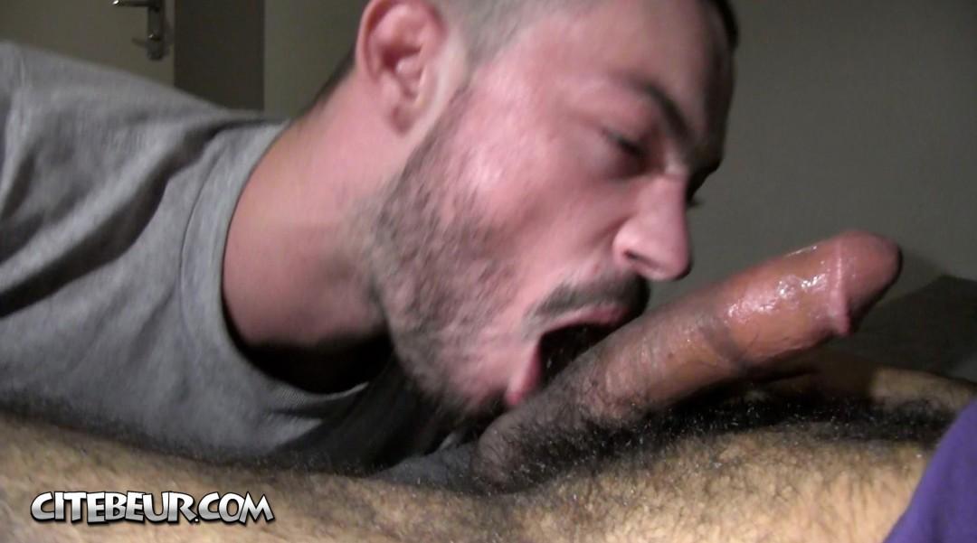 Walid, a gay arab man, fucked his ass