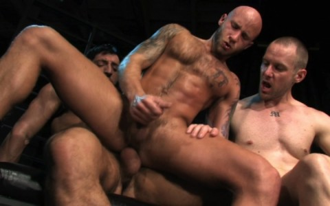 l09853-darkcruising-gay-sex-porn-hardcore-videos-hard-bdsm-fetish-darkroom-leather-rubber-skin-008