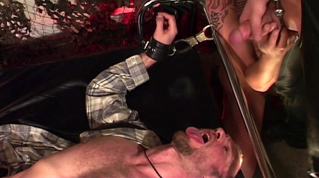 Young Berlin sluts fully exploited
