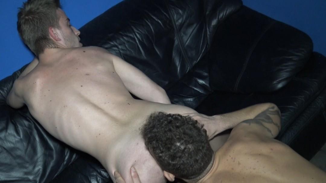 JAMES SILVER fucked bareback by KOLDO GORAN