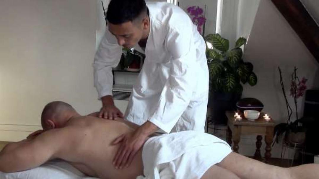 Massage torride de Théo Brussels pour Dimitri Venum