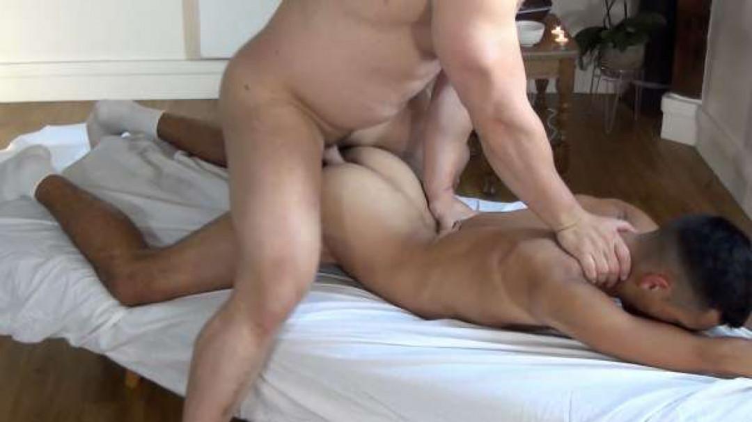 Theo Brussels' torrid massage for Dimitri Venum
