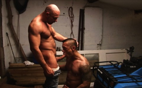 l7299-cazzo-gay-sex-porn-hardcore-alphamales-out-on-the-farm-005