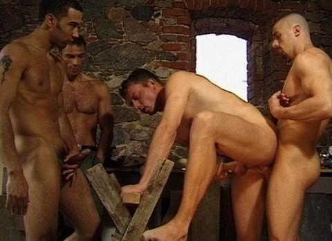 l7598-cazzo-gay-sex-porn-hardcore-made-in-berlin-cazzo-flucht-in-ketten-012