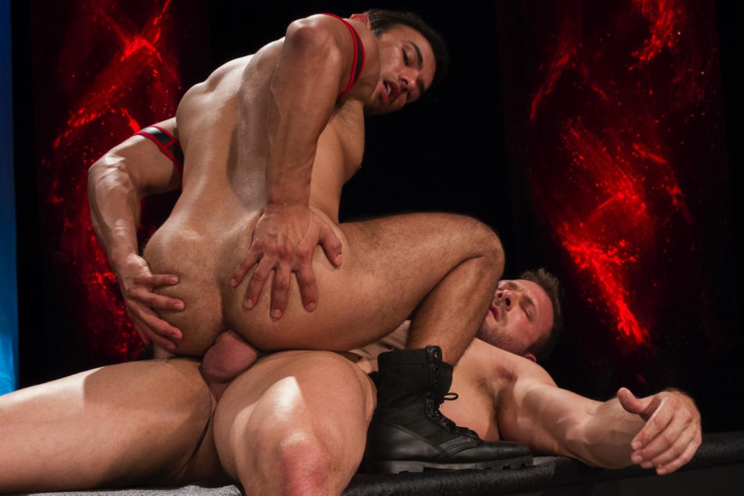 Dorian Ferro meets ultra-ripped muscle stud Austin Wolf