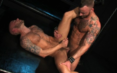 l09854-darkcruising-gay-sex-porn-hardcore-videos-hard-bdsm-fetish-darkroom-leather-rubber-skin-008