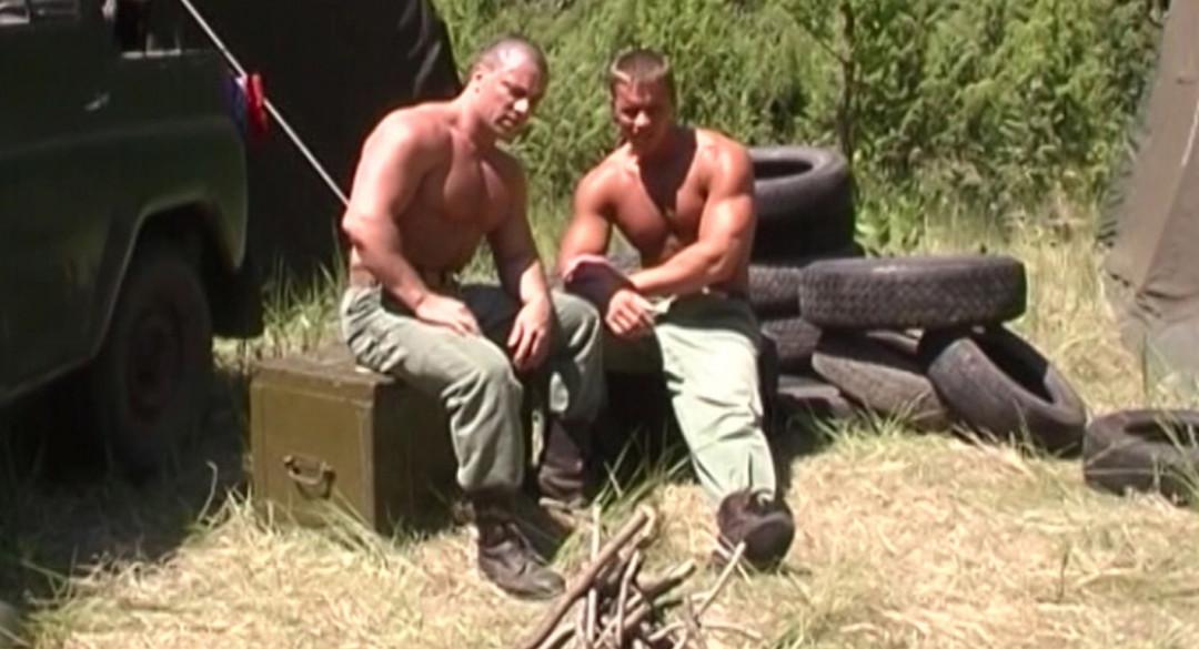 Militaires gays trop en chaleur
