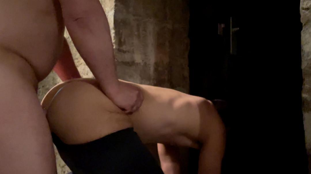 Max Juice sucks a master bear's cock in a cellar