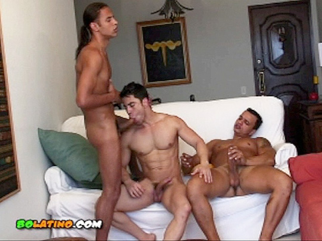 3 FUCK-BUDDIES ON HOLIDAY