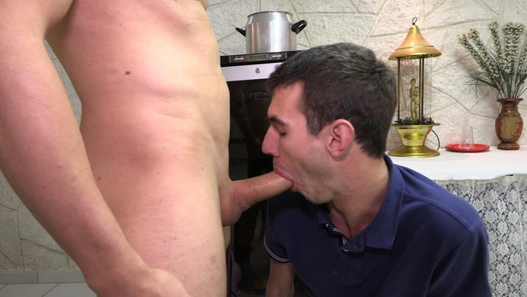 3 actfis baisent un passif avec JOrdan FOX à PARIS