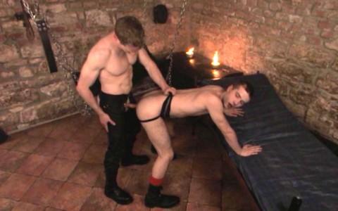 l6847-darkcruising-gay-sex-porn-hard-fetish-bdsm-titan-caged-012
