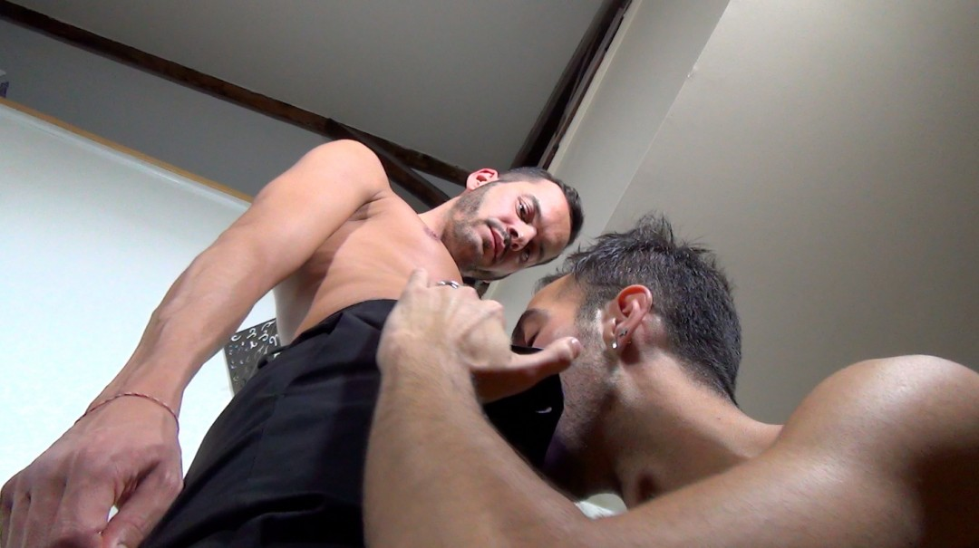 A hungry pimped ass makes his lieutenant his whore available
