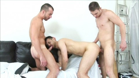 L5522 HOTCAST bulldog gay sex 46