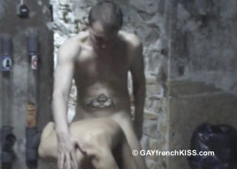 l12441-gayfrenchkiss-gay-porn-hardcore-videos-france-french-porno-amateur-007