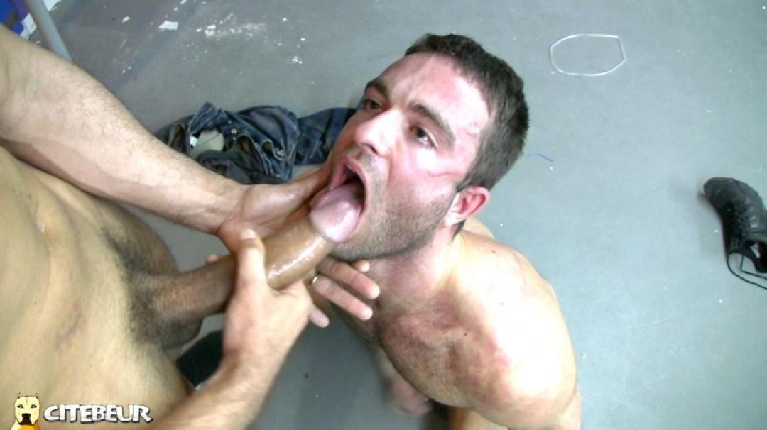 Massive pounding by 24cm monster dick