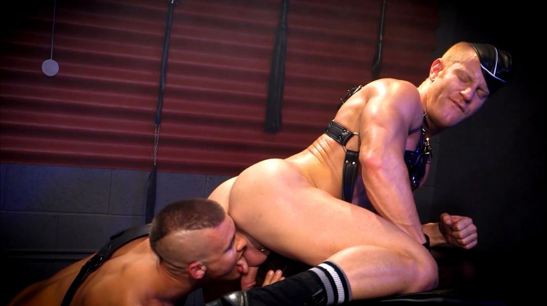 L20354 DARKCRUISING gay sex porn hardcore fuck videos bdsm hard fetish rough leather bondage rubber piss ff puppy slave master playroom 16