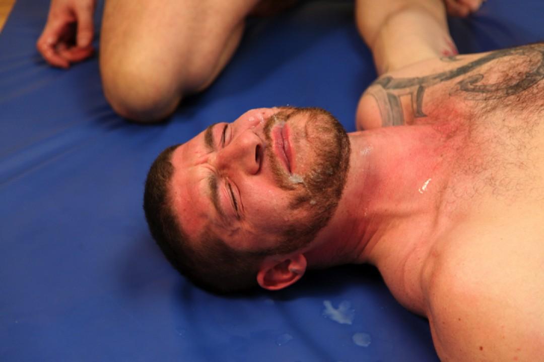 Full load of spunk on Jeff Stronger's face