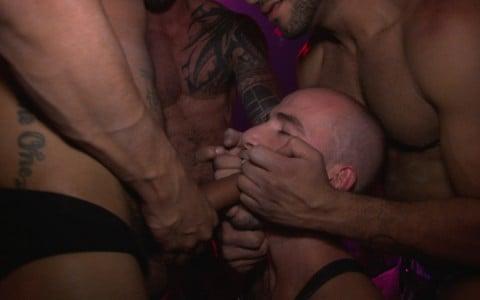 l9928-darkcruising-gay-sex-porn-hardcore-videos-bdsm-fetish-leather-rubber-hard-naked-sword-the-pack-002