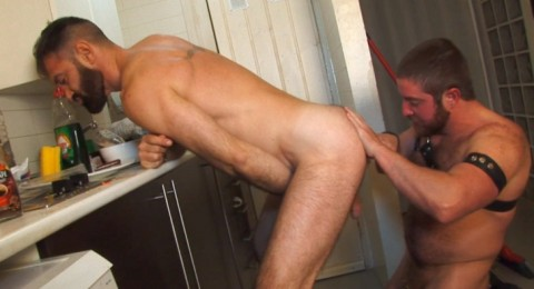 l6547-sketboy-gay-sex-porn-bear-macho-leather-hard-piss-jalif-sex-kitchen-010