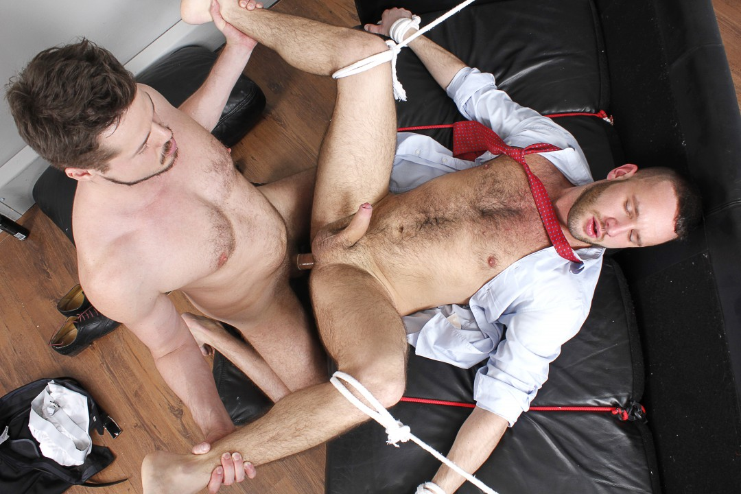 Tied up hunk for horny worker