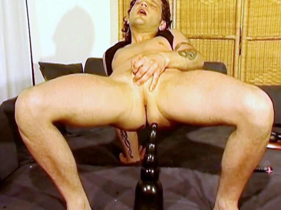 Turkish Stud in ass-play