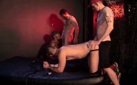 l14105-darkcruising-gay-sex-porn-hardcore-videos-latino-012