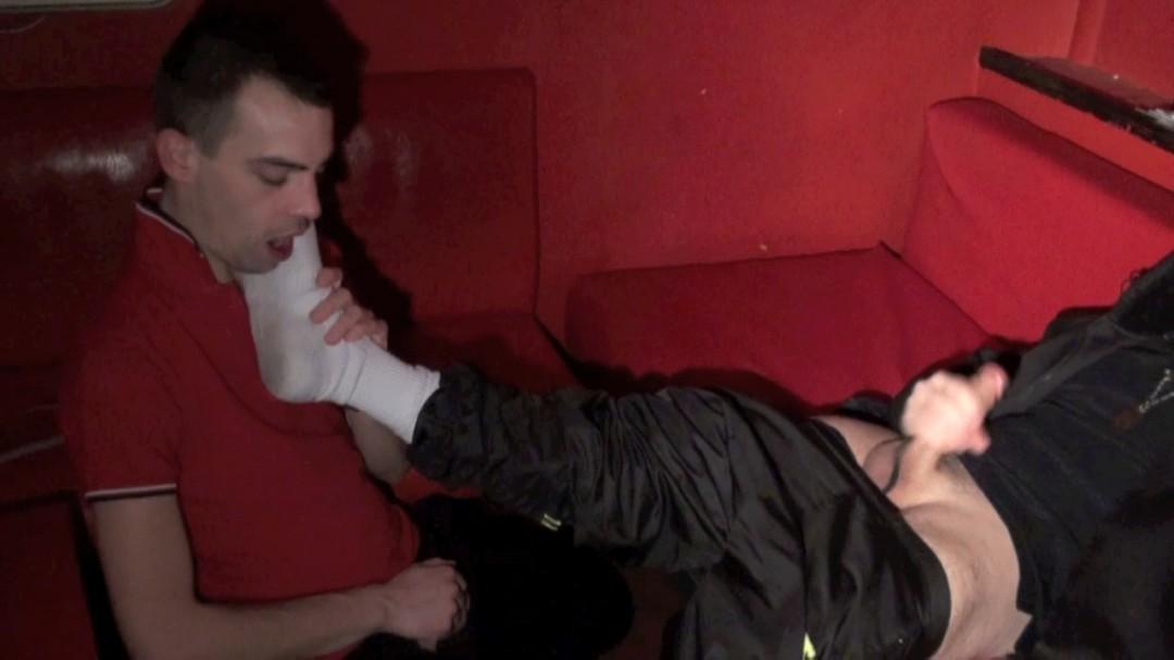 TIM COSLA sniff les 21 cm de JESS !