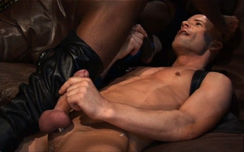 l13065-darkcruising-gay-sex-porn-hardcore-videos-hard-fetish-bdsm-berlin-kinky-016