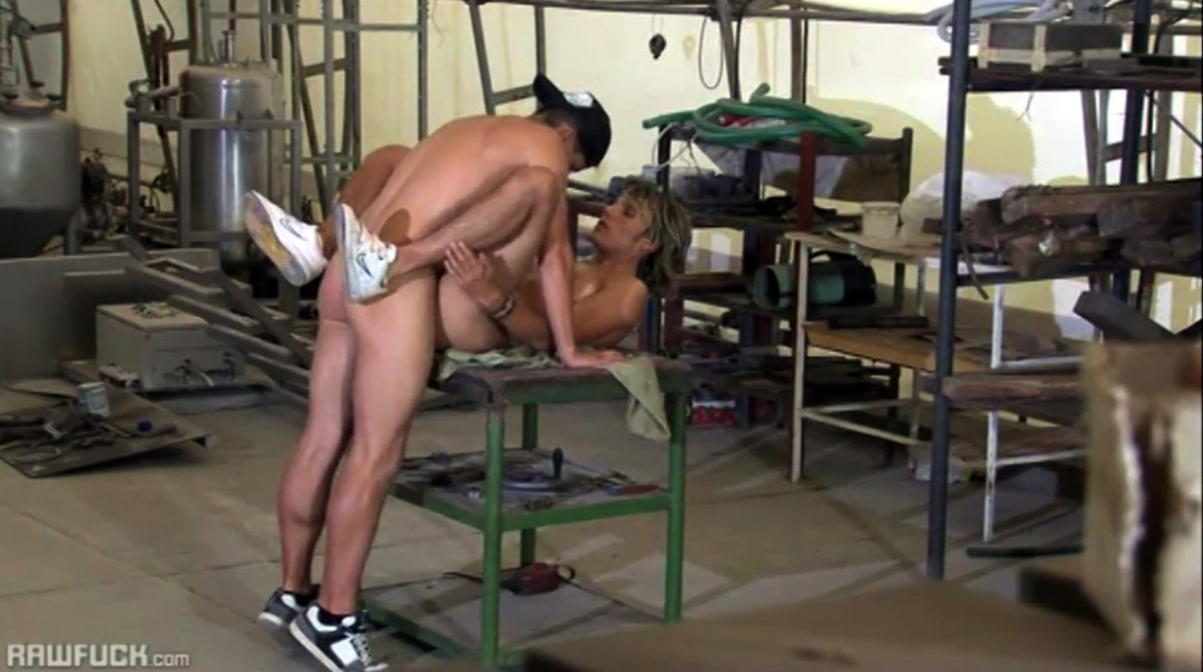 Gay Sex Afternoon with a sub gay blonde bottom