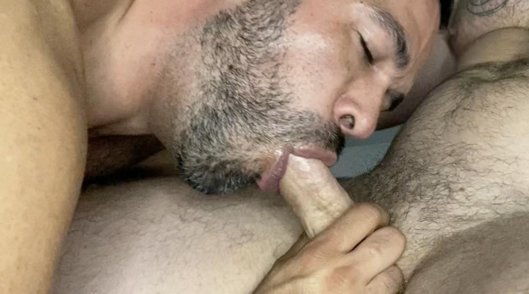 Nicholas Barden pompa la gola della sua amante