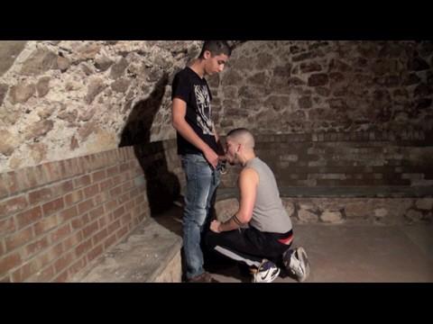 RIMS LOLITO se fait baiser par un jeune rebeu hétéro