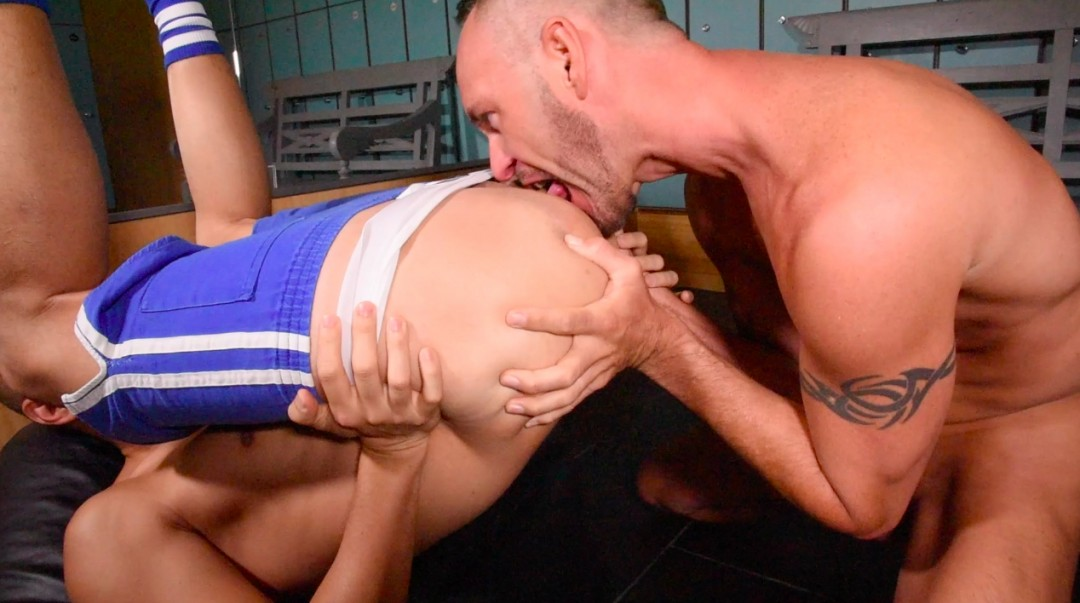 Sportsman with big cock in the ass of a slut