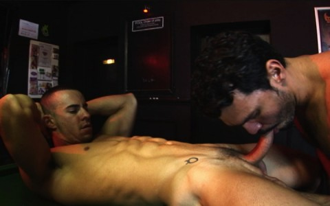 l7304-bolatino-gay-sex-porn-hardcore-latino-alphamales-out-on-the-hit-012