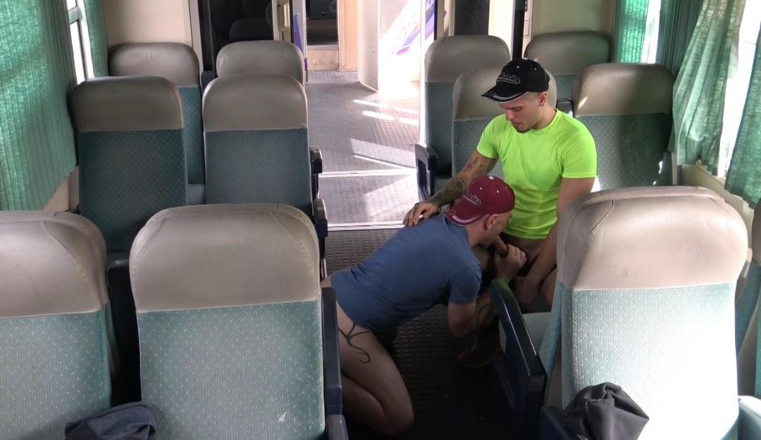 creampied nin public train