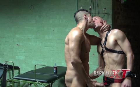 l14170-darkcruising-gay-sex-porn-hardcore-fuck-videos-bdsm-fetish-hard-kink-02