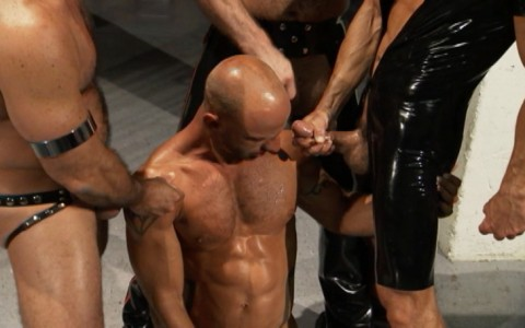 l6845-darkcruising-gay-sex-porn-hard-fetish-bdsm-titan-caged-020