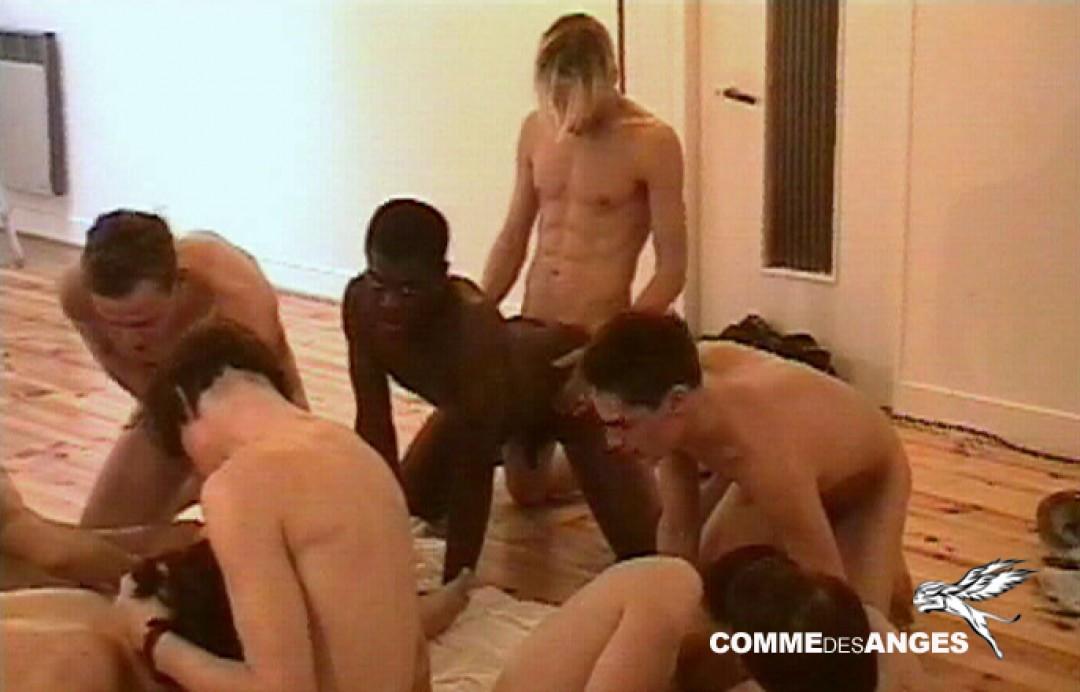 La grosse touze des gays de moins de 25 ans