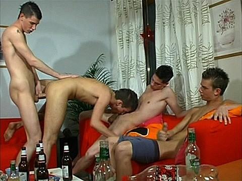 quatuor et queues de jeunes mecs-2