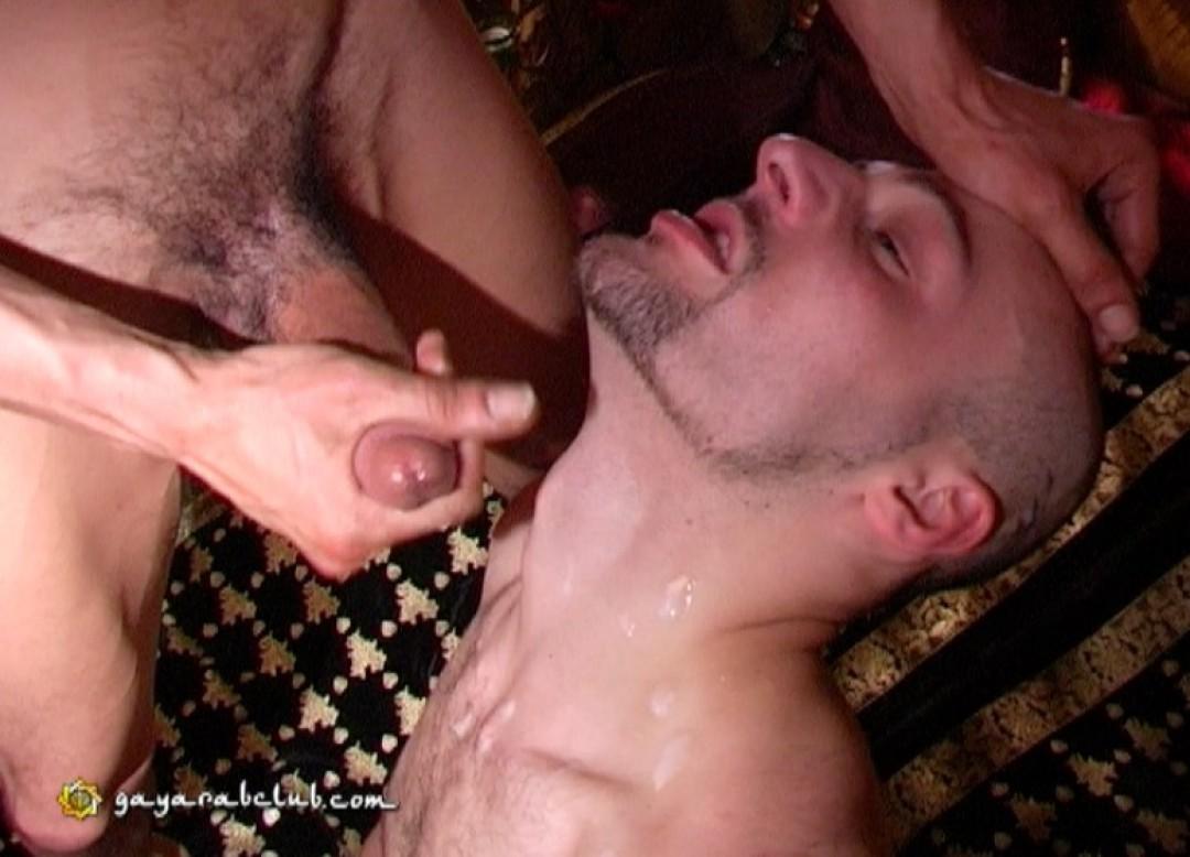 Algerian gay stud fucks a bottom with his heavy arab dick