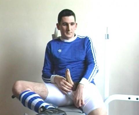L1293 jnrc footballers 03