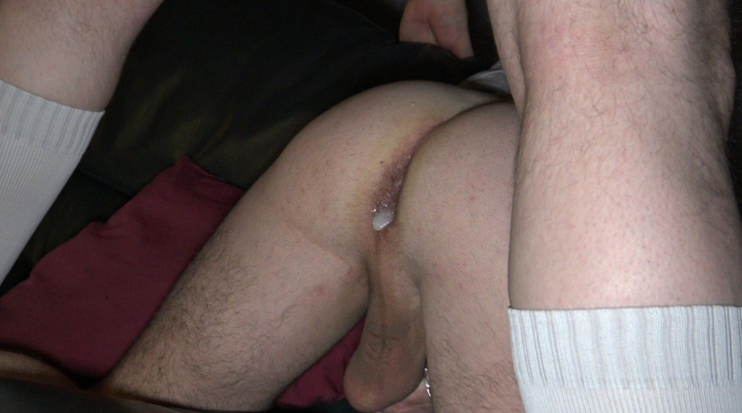 La plus grosse queue de LYON dose le cul de JESS