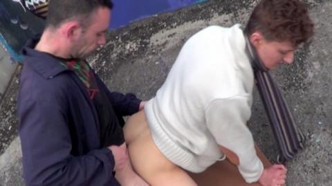 Jeune gitan de 19 ans se fait baser par un lascar