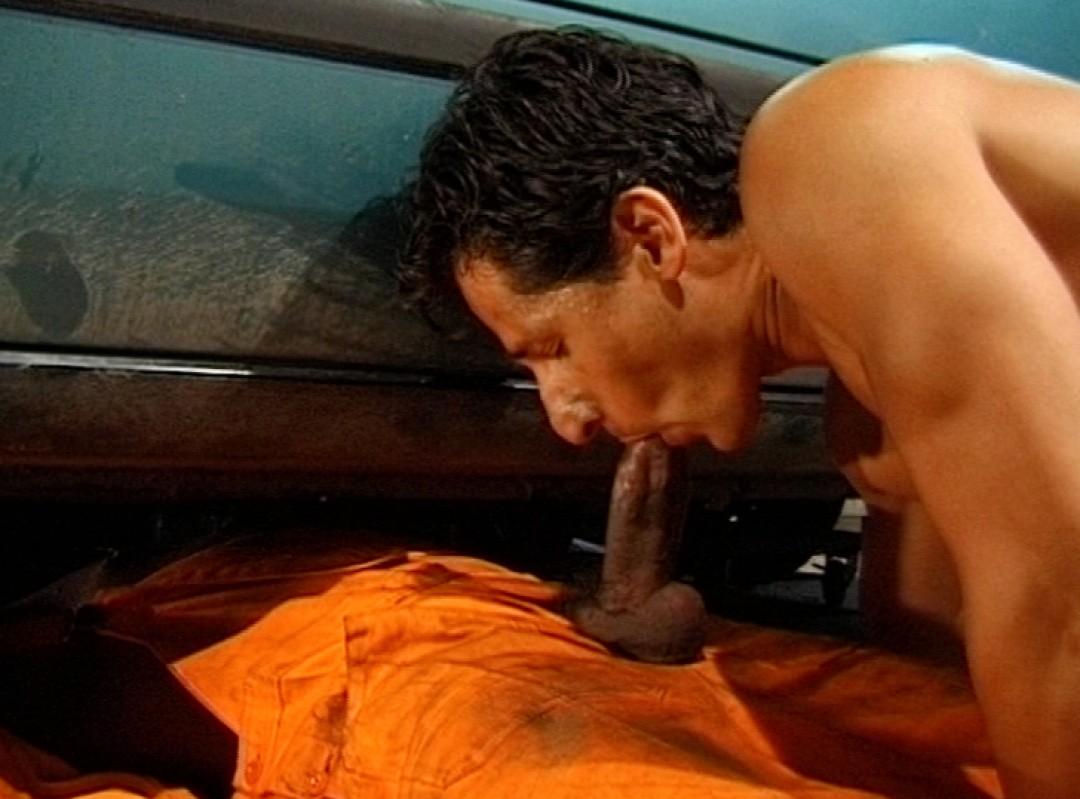 The mechanic's big tool up his colleague's ass