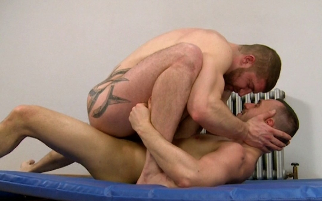 Full load of spunk on Jeff Stronger's face