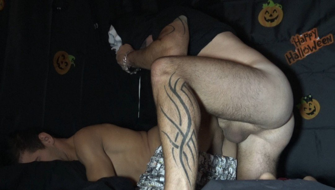 twink fucked bareback by the monster of HALLOWEEN