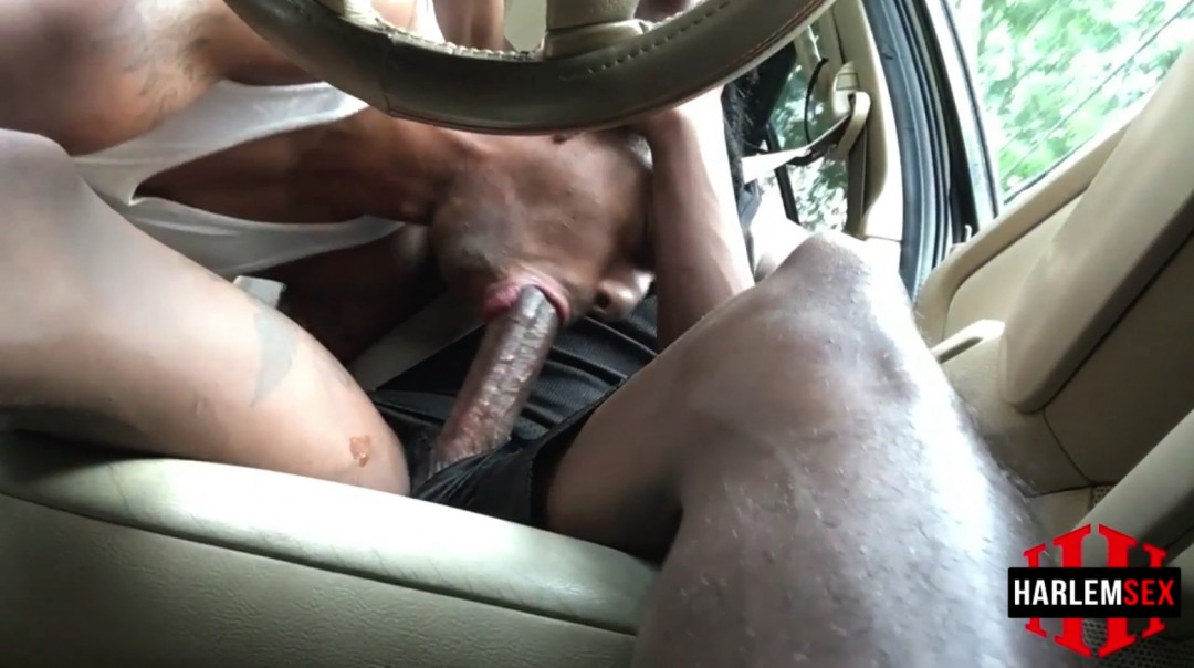 Jerking off with a friend in the car